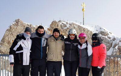 KONSTANDIN-Crew fit im Pulverschnee